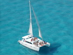 51 ft. Catamaran Cruisers Aqua Cruiser Catamaran Boat Rental Cancún Image 4