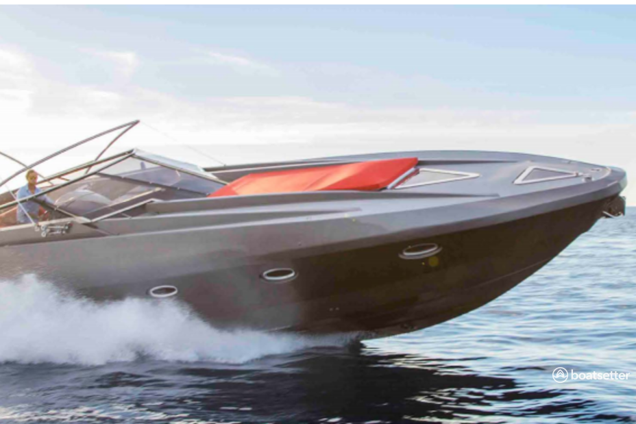 Rent a Stealth motor yacht in Eivissa, PM near me
