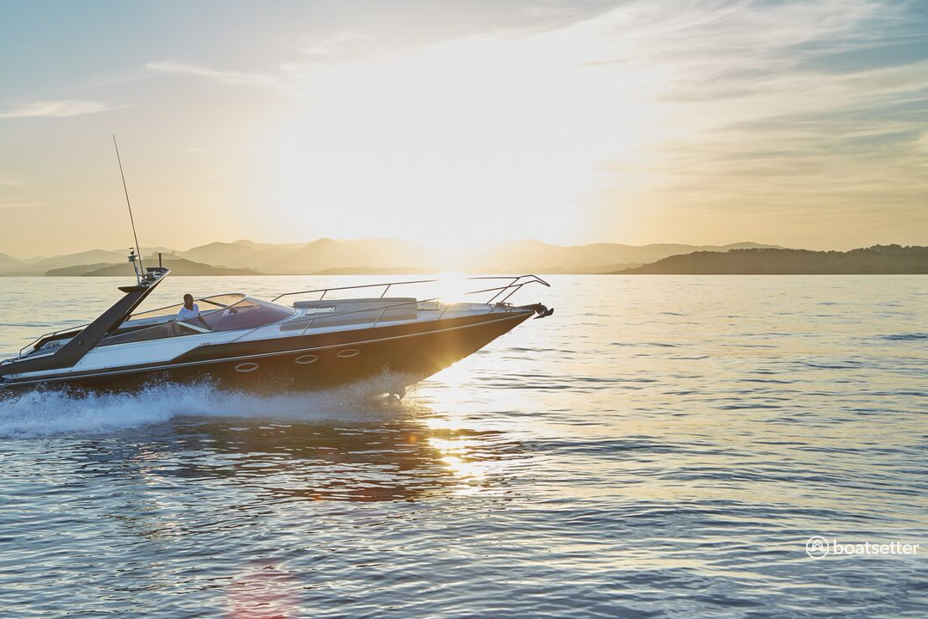 Rent a Sunseeker motor yacht in Eivissa, PM near me