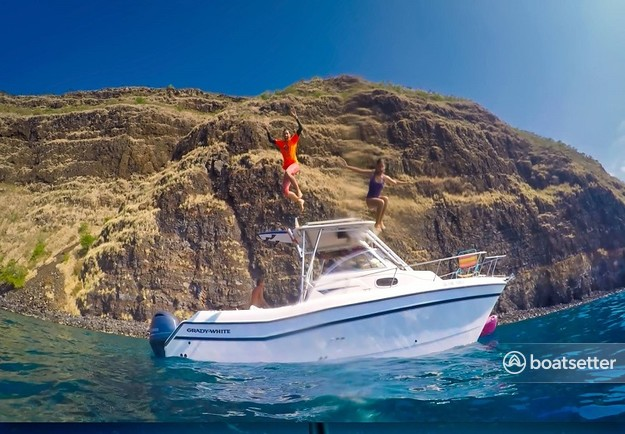 Rent a Grady-white catamaran in Kailua-Kona, HI near me