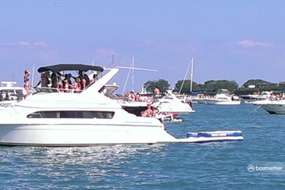 Rent a Carver motor yacht in Chicago, IL near me