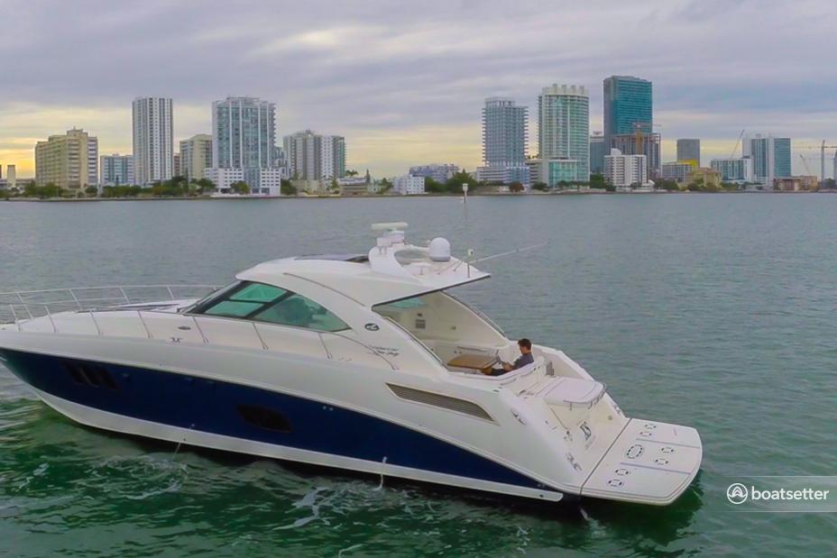 Rent a Sea Ray motor yacht in Miami, FL near me