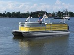 22 ft. Bentley 220 Elite Sport Pontoon Boat Rental Miami Image 5