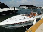 10 ft. Pursuit 3000 Express Center Console Boat Rental Cancún Image 2