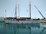 72 ft. 1 Hull N/A Sloop Boat Rental Image 1