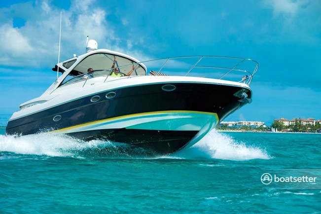 Rent a 2002 40 ft  Regal Boats Commodore 3880 in Providenciales, TC on  Boatsetter
