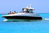 40 ft. Regal Boats Commodore 3880 Motor Yacht Boat Rental Providenciales Image 9