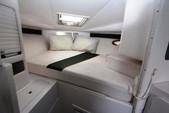 33 ft. Donzi Marine 16 Classic Cuddy Cabin Boat Rental Cancún Image 3