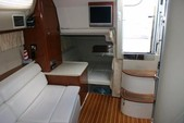 36 ft. Regal Boats 3350 Cuddy Cuddy Cabin Boat Rental Cancún Image 2