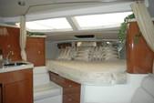 36 ft. Regal Boats 3350 Cuddy Cuddy Cabin Boat Rental Cancún Image 4