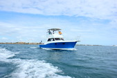 32 ft. Chris Craft 38 Saltwater Fishing Boat Rental Puerto Morelos Image 5