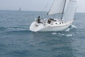38 ft. Hunter 37 Cruiser Racer Boat Rental Chicago Image 2