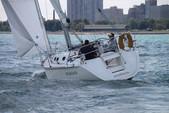 38 ft. Hunter 37 Cruiser Racer Boat Rental Chicago Image 1
