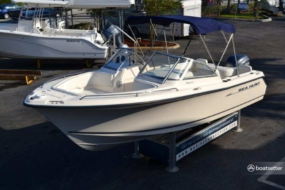 Rent a Sea Hunt Boats dual console in Bluffton, SC near me