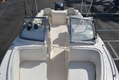 22 ft. Sea Hunt Boats Escape 220 LE Dual Console Boat Rental Charleston Image 1