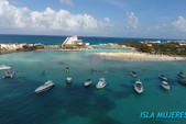 55 ft. Sea Ray Sedan Bridge Boat Rental Cancun Image 17