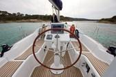 32 ft. Beneteau USA Beneteau 31 Motorsailer Boat Rental Barcelona Image 9