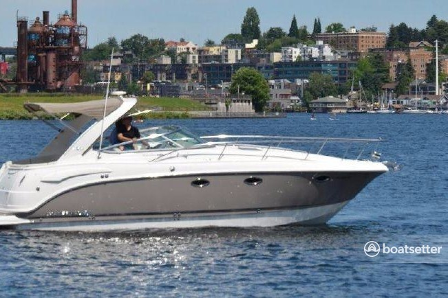Rent A 2008 35 Ft Chaparral Boats 330 Signature In