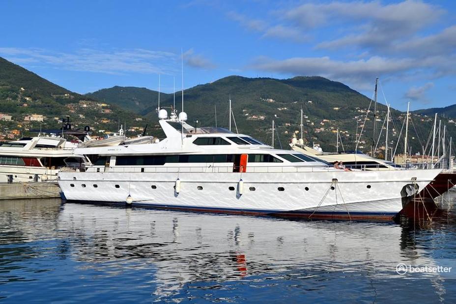 Rent a Other motor yacht in Saint-Tropez, Provence-Alpes-Côte d'Azur near me