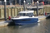 28 ft. Jeanneau  Cruiser Boat Rental Washington DC Image 2