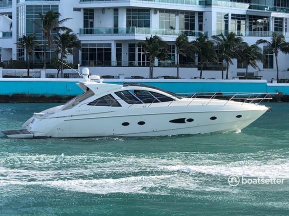 Rent a Azimut Yachts cruiser in Miami Beach, FL near me