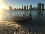 26 ft. Avanti Powerboats 26 Center Console Boat Rental Miami Image 3