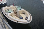 22 ft. Chris Craft 22 Launch Luxury Trim Cruiser Boat Rental Charleston Image 1