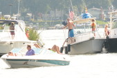 21 ft. Wellcraft 196 Step Lift Bow Rider Boat Rental Washington DC Image 4