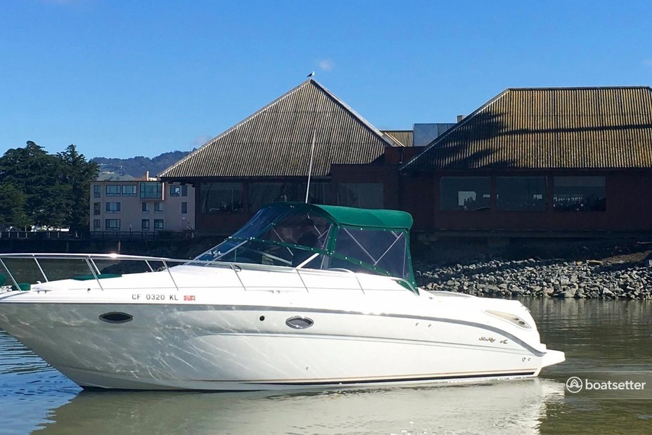 Rent a Sea Ray Boats cruiser in Emeryville, CA near me