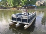 24 ft. Harris FloteBote 240A Pontoon Boat Rental Charlotte Image 11