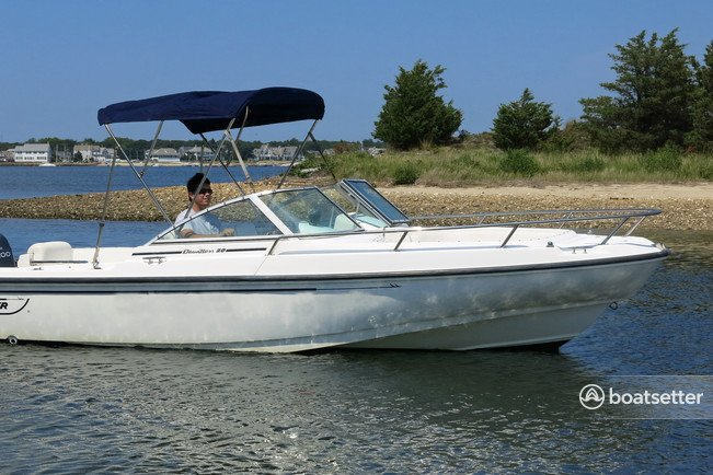 Rent a Boston Whaler cruiser in Barnstable, MA near me