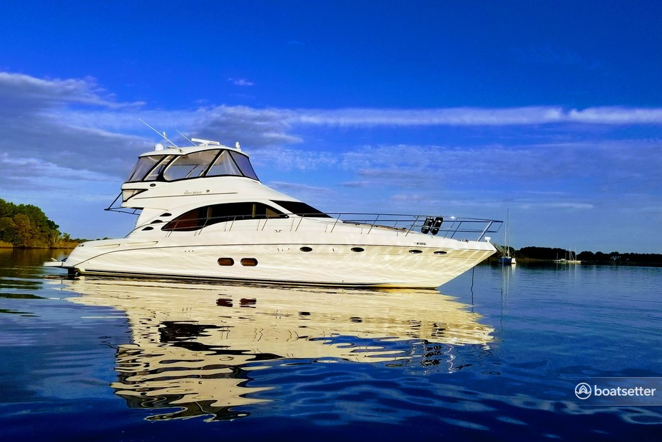 Rent a Sea Ray Boats cruiser in Baltimore, MD near me