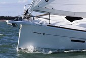 41 ft. Jeanneau Sailboats 419 Classic Boat Rental Tampa Image 2