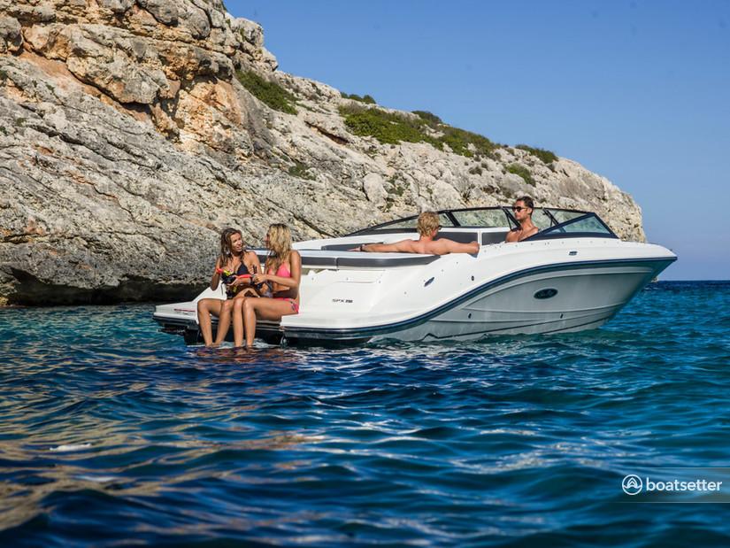 Rent a Sea Ray Boats bow rider in Mandelieu-la-Napoule, Provence-Alpes-Côte d'Azur near me