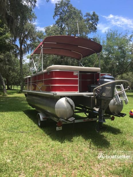 Rent a Sylvan Marine pontoon in Citra, FL near me