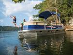 18 ft. Sun Tracker by Tracker Marine Bass Buggy 18 DLX w/60ELPT 4-S Pontoon Boat Rental Dallas-Fort Worth Image 1