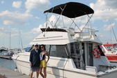 37 ft. Silverton Marine 37 Convertible Cruiser Boat Rental Chicago Image 9