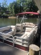 25 ft. Riviera Cruiser FDL-2422 LTD Pontoon Boat Rental Charlotte Image 7