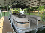 24 ft. Bennington Marine 24SSLDX EPP Tri-Toon Pontoon Boat Rental Charlotte Image 1