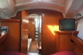 37 ft. Beneteau USA Beneteau 373 (2 cabin) Cruiser Racer Boat Rental Tampa Image 7