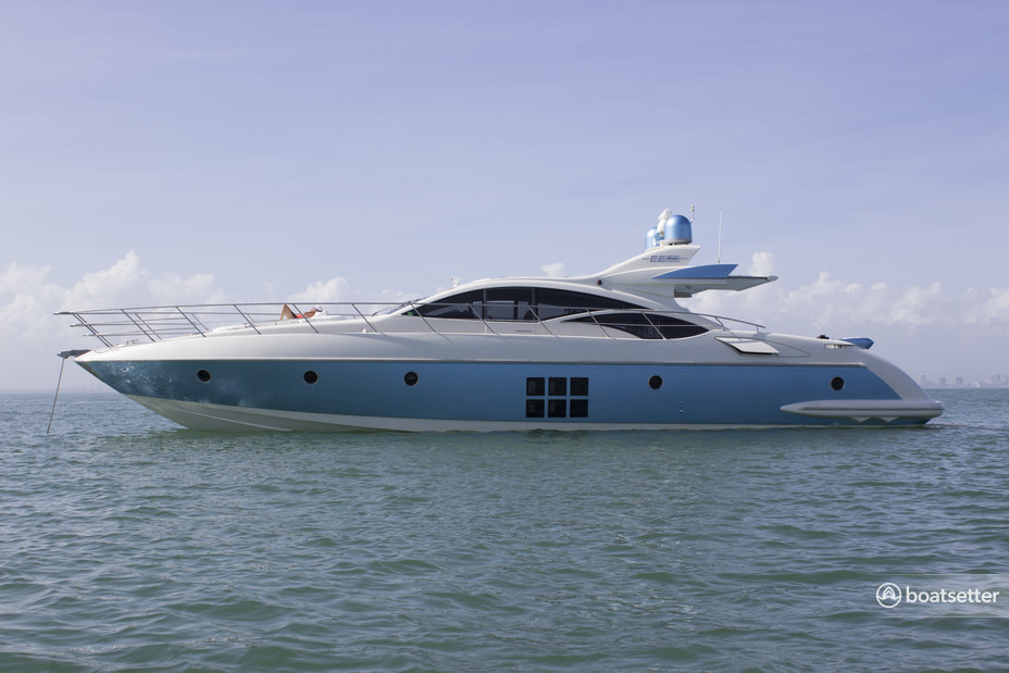 Rent a Azimut Yachts express cruiser in New York, NY near me