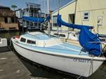 22 ft. Catalina 22 Swing Keel Daysailer & Weekender Boat Rental San Francisco Image 9