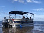 23 ft. Sun Chaser 2300 Pontoon Boat Rental Tampa Image 3