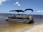 23 ft. Sun Chaser 2300 Pontoon Boat Rental Tampa Image 11