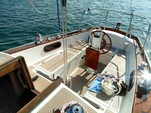 28 ft. Shannon Boat Co Shannon 28 Cruiser Boat Rental Chicago Image 6
