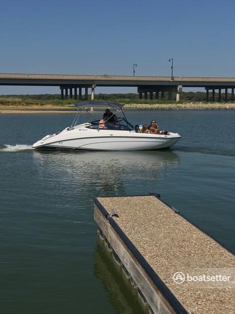 Rent a Yamaha bow rider in Lake Dallas, TX near me