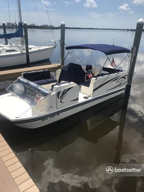 Rent a Beachcat Boats pontoon in Port Orange, FL near me