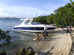 28 ft. Formula by Thunderbird F280 Sun Sport Cruiser Boat Rental Miami Image 4