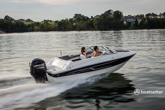 Rent a 2018 20 ft  Bayliner 17 Bowrider in Sarasota, FL on Boatsetter