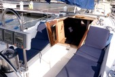 34 ft. Catalina 34 Fin Cruiser Boat Rental New York Image 15